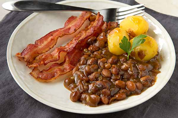 Swedish Baked Brown Beans (Bruna Bönor)