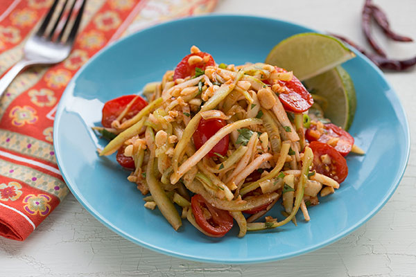 Spicy Papaya and Cucumber Salad