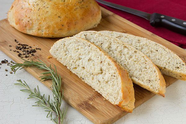Black Pepper-Rosemary Bread