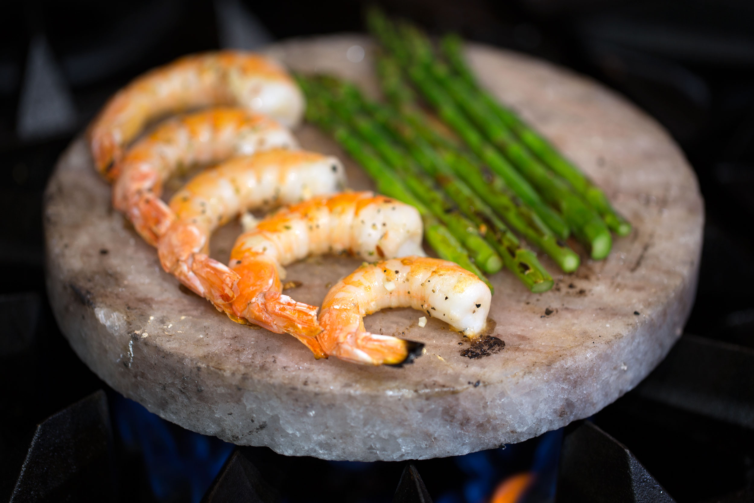 Salt Slab Cooked Lemon Shrimp and Asparagus