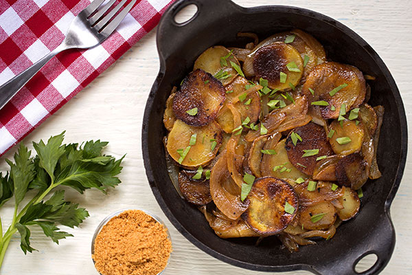 Lyonnaise Potatoes with Roasted Chinese Cabbage Powder