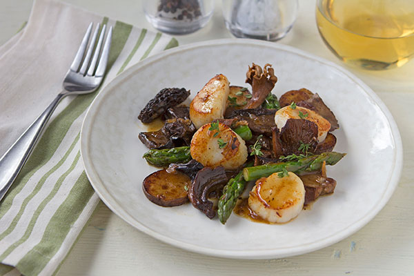 Seared Scallops with European Mushroom Blend