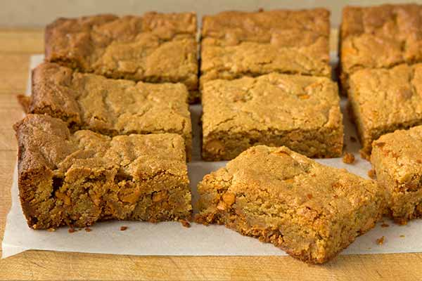 Quinoa Cashew Blondies