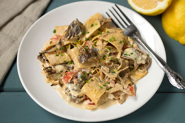 Pasta with Hen of the Woods and Garlic